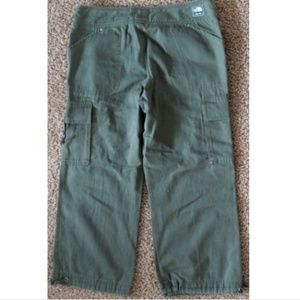 New The North Face A5 Series CARGO CAPRI Pants 12